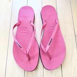 NWOT HAVAIANAS Pink Flip Flops